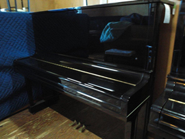 ヤマハピアノU30BL外観